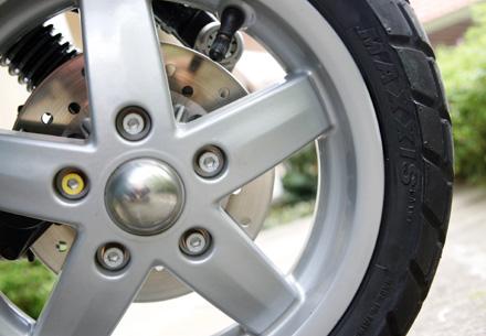 Lốp trước xe Vespa LX nhập khẩu chính hãng